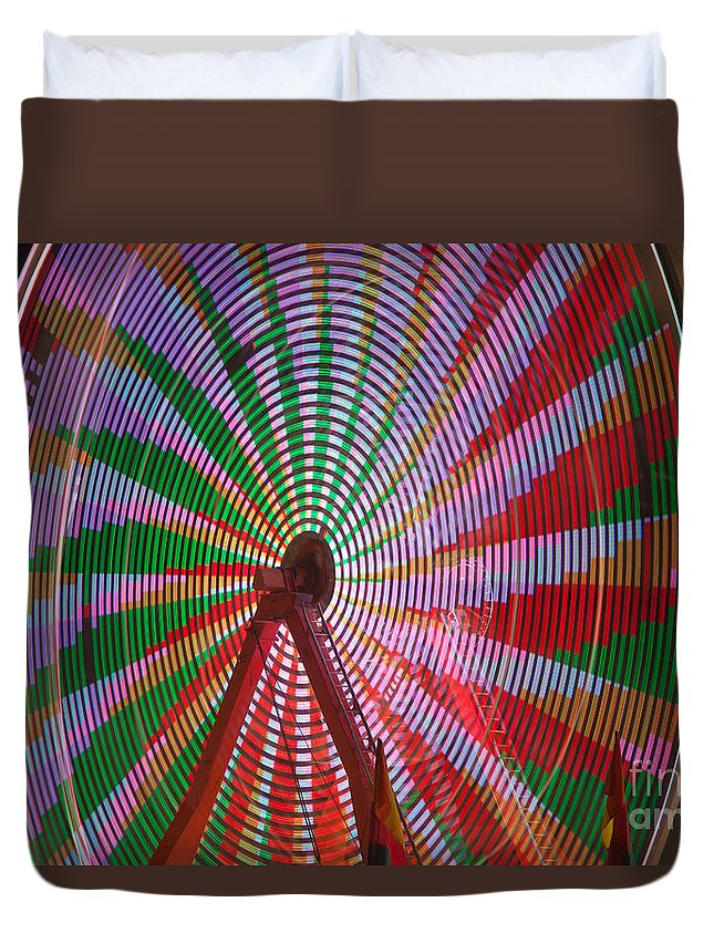 Clarence Holmes Duvet Cover featuring the photograph Ferris Wheel IIi by Clarence Holmes