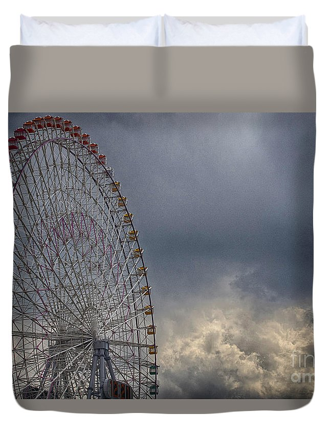 Cloud Duvet Cover featuring the photograph Ferris Wheel by Tad Kanazaki
