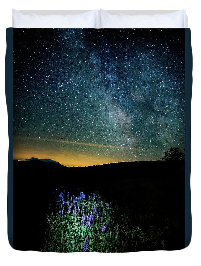 St Matthews Church Duvet Cover featuring the photograph Field Of Dreams by Scott Thorp