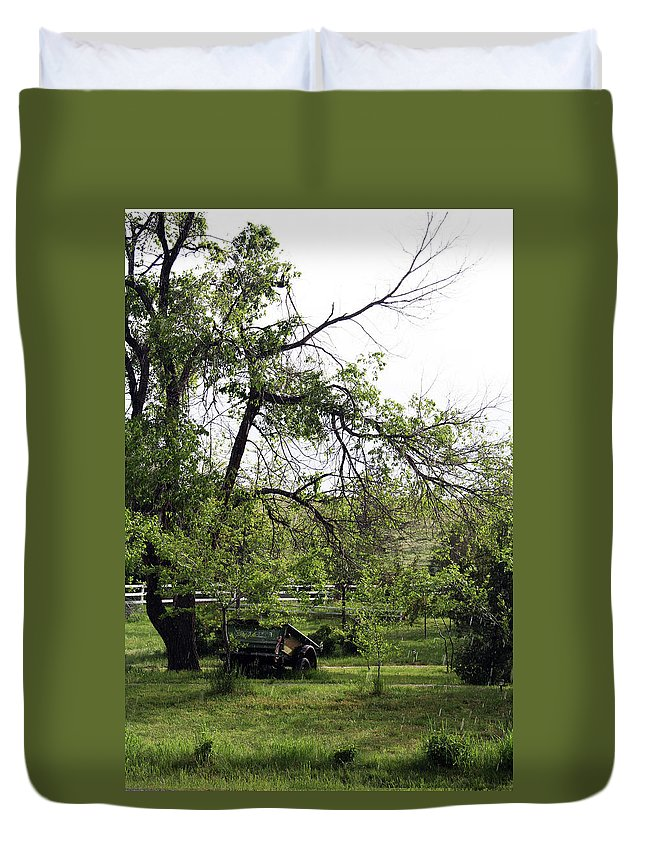 Landscape Duvet Cover featuring the photograph Field Of Green by Jack Collins