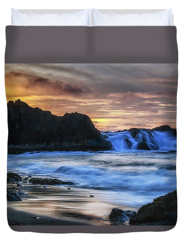 California Duvet Cover featuring the photograph Final Call by Marnie Patchett
