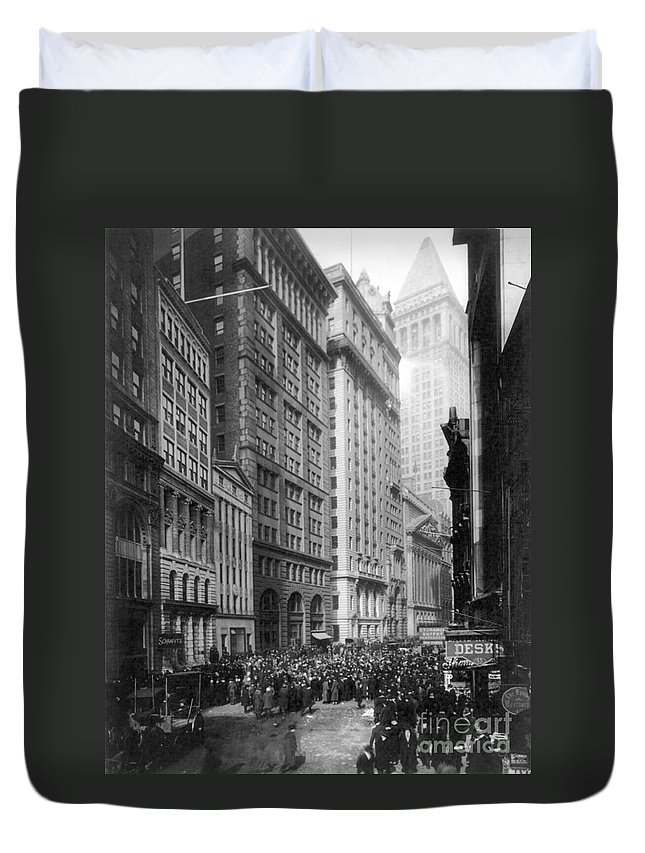 1920 Duvet Cover featuring the photograph Financial Center, C1920 by Granger