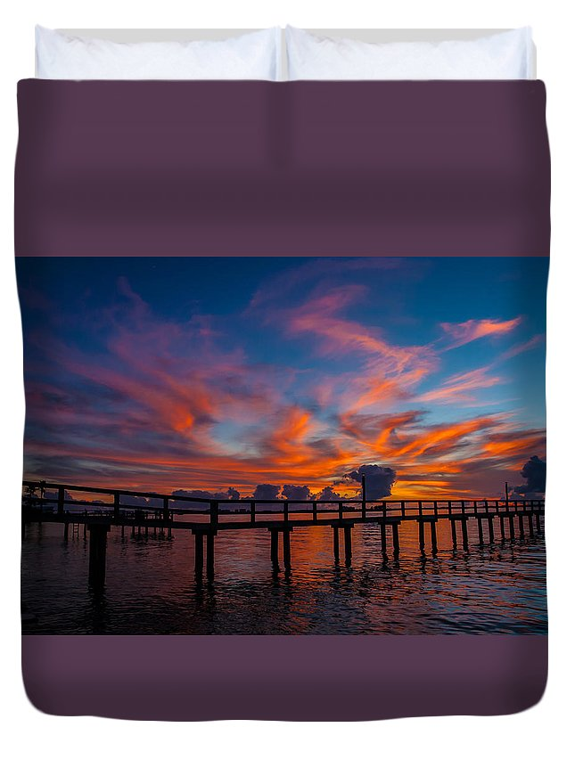 Dunedin Duvet Cover featuring the photograph Fire In The Sky by Rob Craig