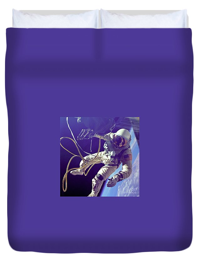 Science Duvet Cover featuring the photograph First American Walking In Space, Edward by Nasa