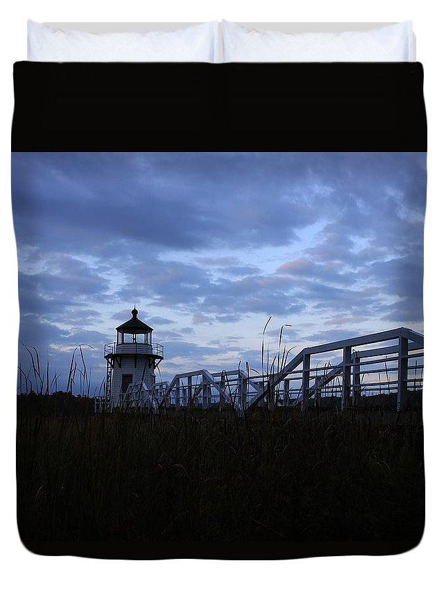 Lighthouse At Daybreak Duvet Cover featuring the photograph Daybreak At Doubling Point Light by Cassandra Pendergrass