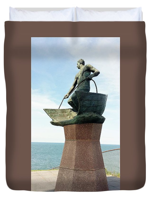 Montauk Duvet Cover featuring the photograph Fisherman by Rob Hans