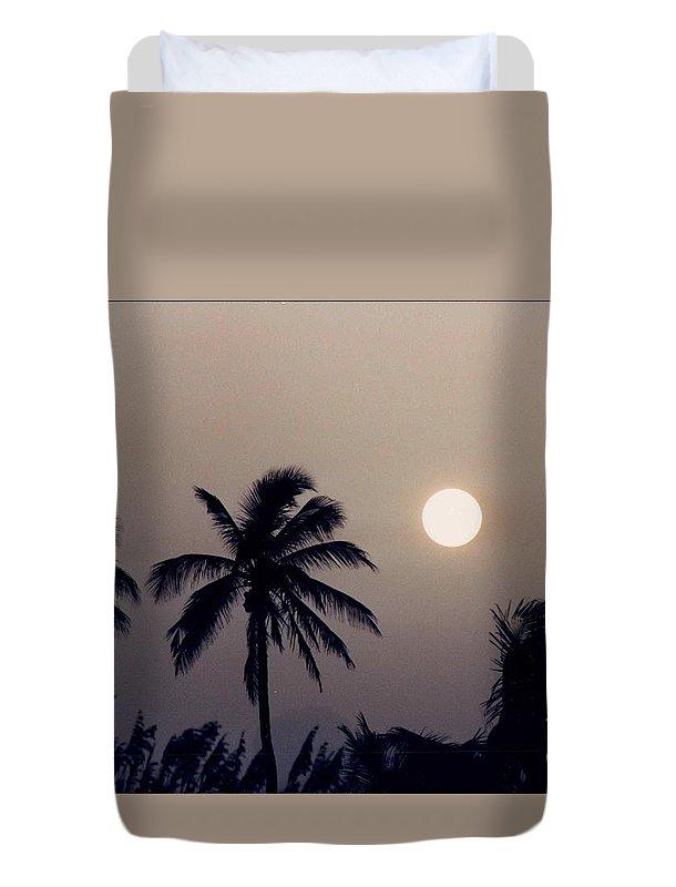 Sunrise Duvet Cover featuring the photograph Floridian Sunrise by Jeffery L Bowers
