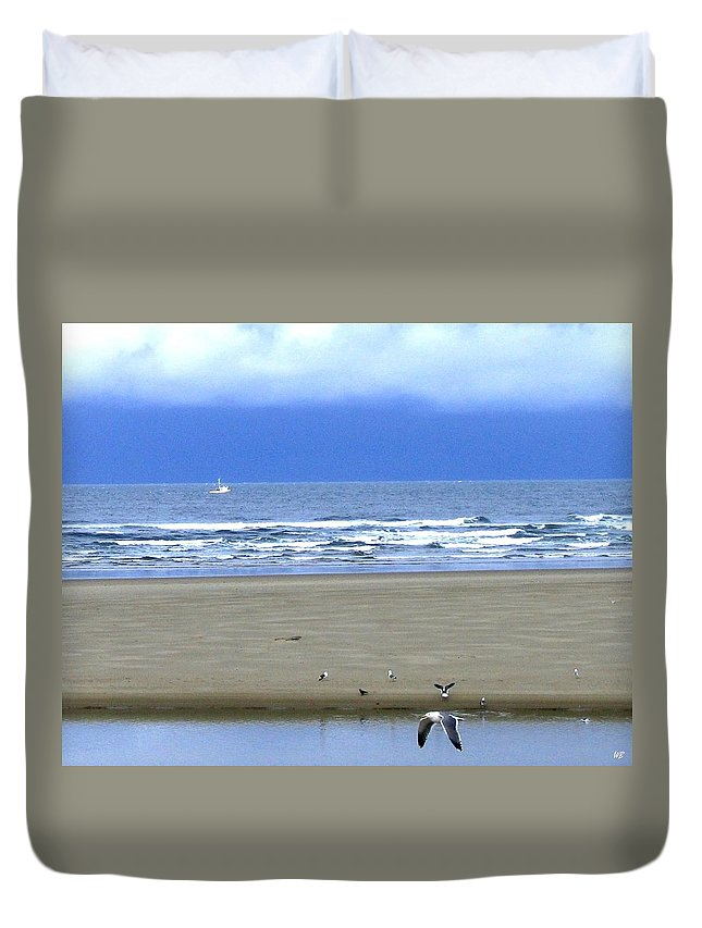 Seagull Duvet Cover featuring the photograph Flaps Down by Will Borden