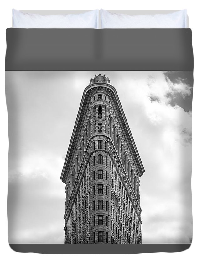 Nyc Duvet Cover featuring the photograph Flatiron Skies by Robert J Caputo