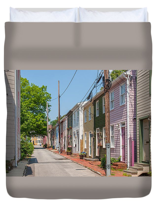 Landscape Duvet Cover featuring the photograph Fleet Street by Charles Kraus