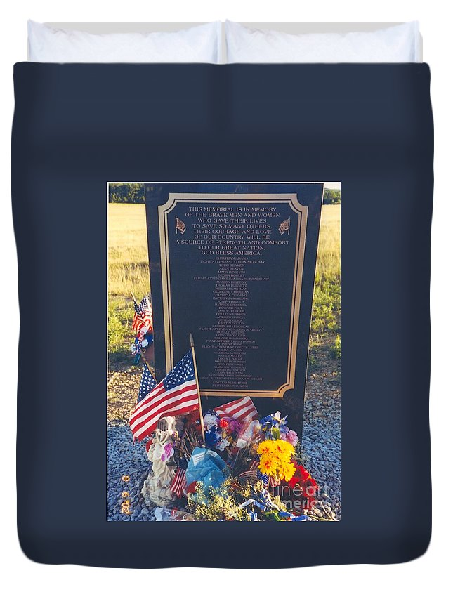 Flight 93 Heros Duvet Cover featuring the photograph Flight 93 Heros by Penny Neimiller