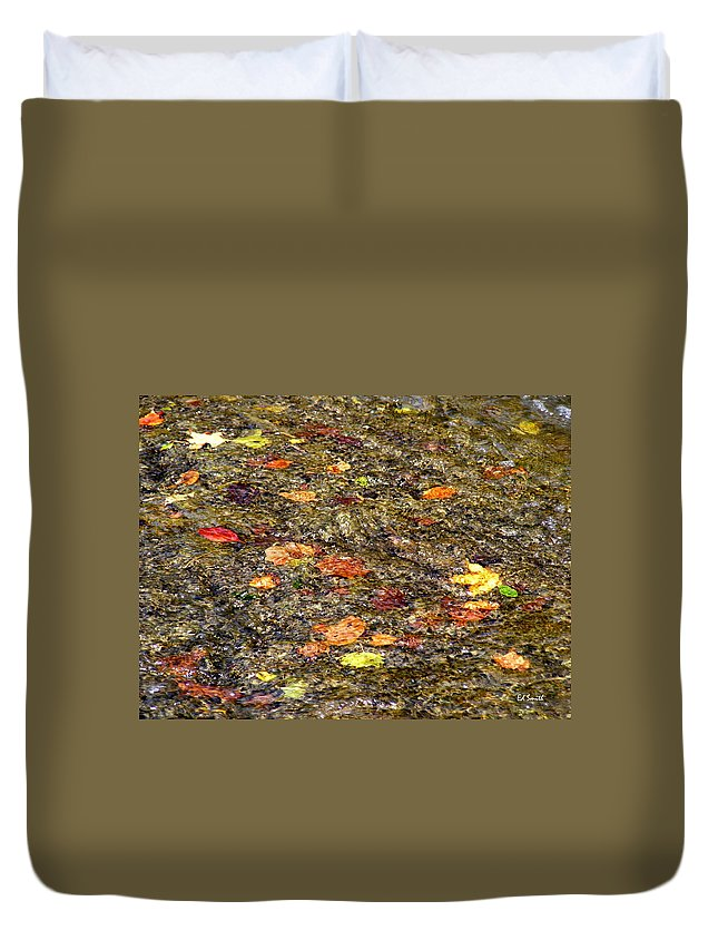 Floaties Duvet Cover featuring the photograph Floaties by Ed Smith