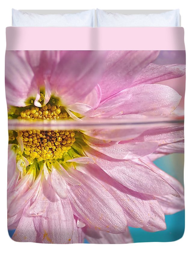 Photography Duvet Cover featuring the photograph Floral 'n' Water Art 6 by Kaye Menner