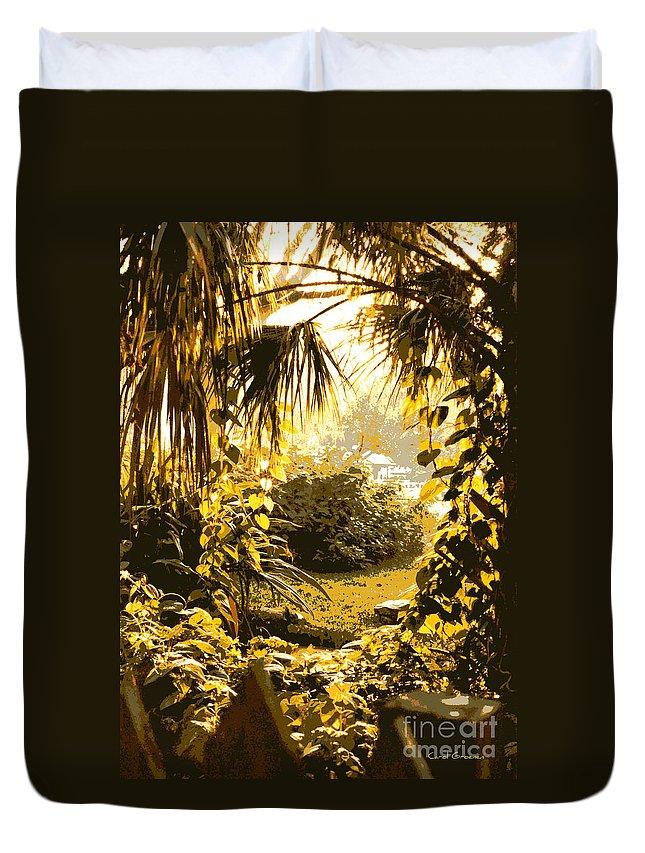 Sunlight Duvet Cover featuring the photograph Florida Dream by Carol Groenen