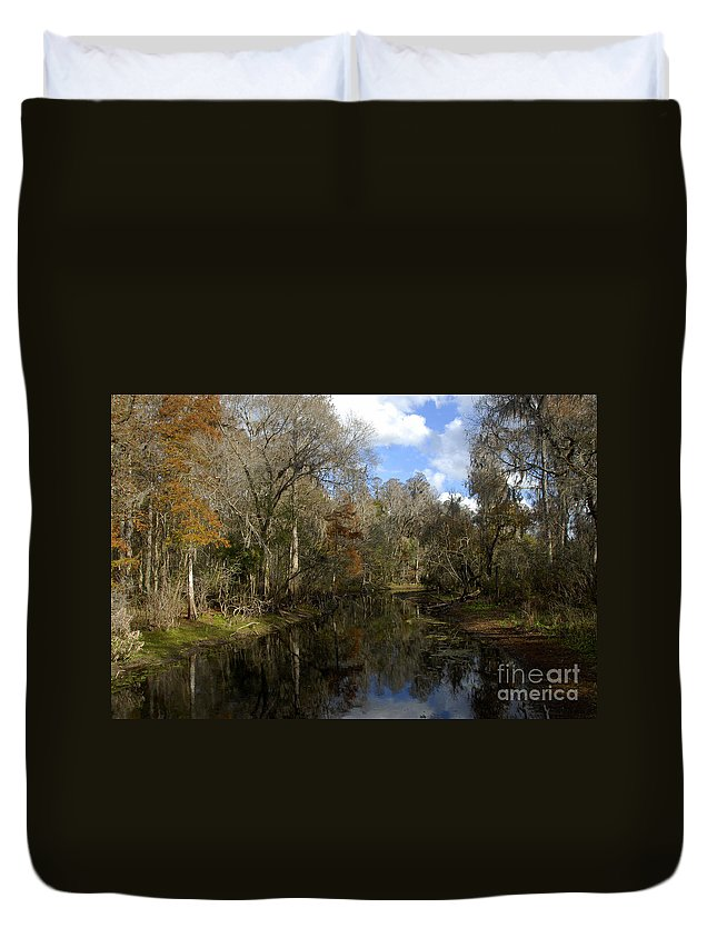Wetlands Duvet Cover featuring the photograph Florida Wetlands by David Lee Thompson