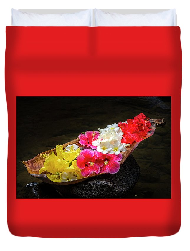 Flowers Duvet Cover featuring the photograph Flower Boat by Daniel Murphy