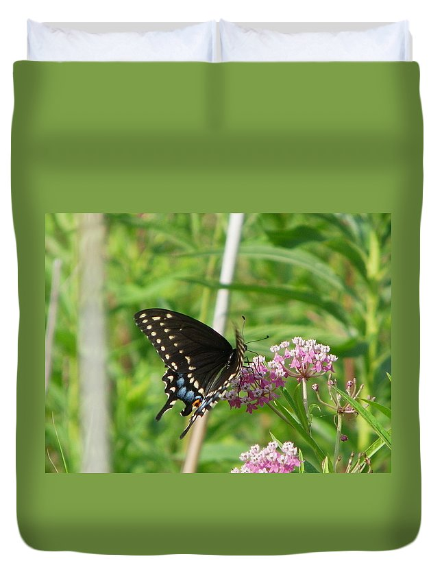 Nature Duvet Cover featuring the photograph Flutter by Peggy King