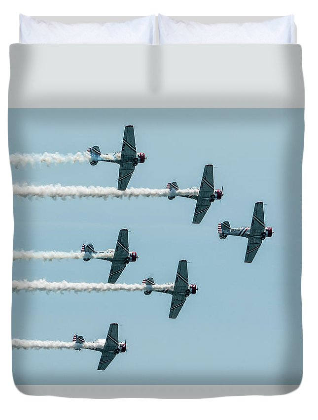 Geico Duvet Cover featuring the photograph Fly Over by Douglas Kelley