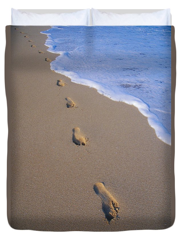 Afternoon Duvet Cover featuring the photograph Footprints by Don King - Printscapes