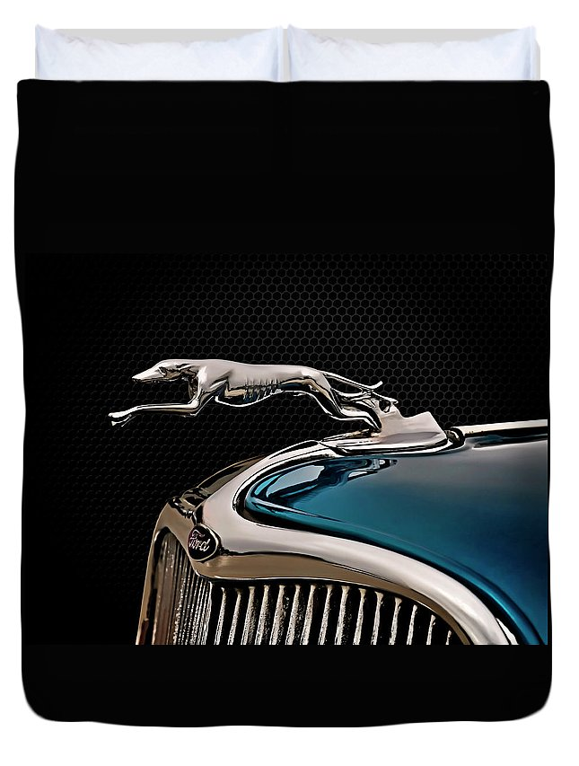 Vintage Duvet Cover featuring the digital art Ford Blue Dog by Douglas Pittman