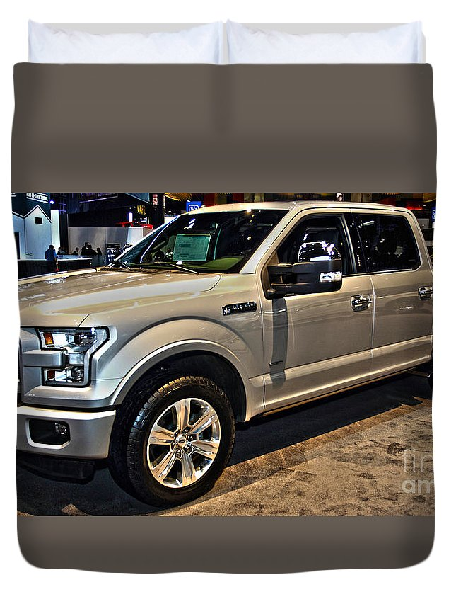 Auto Duvet Cover featuring the photograph Ford F150 Fx4 Platinum by Alan Look