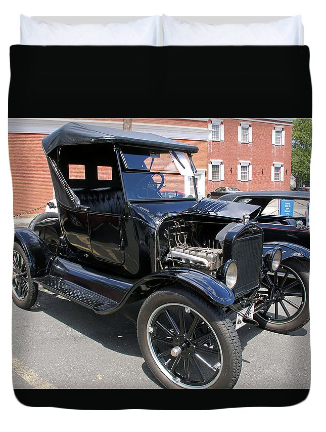 Cars Duvet Cover featuring the photograph Ford Model T1 by Gerald Mitchell