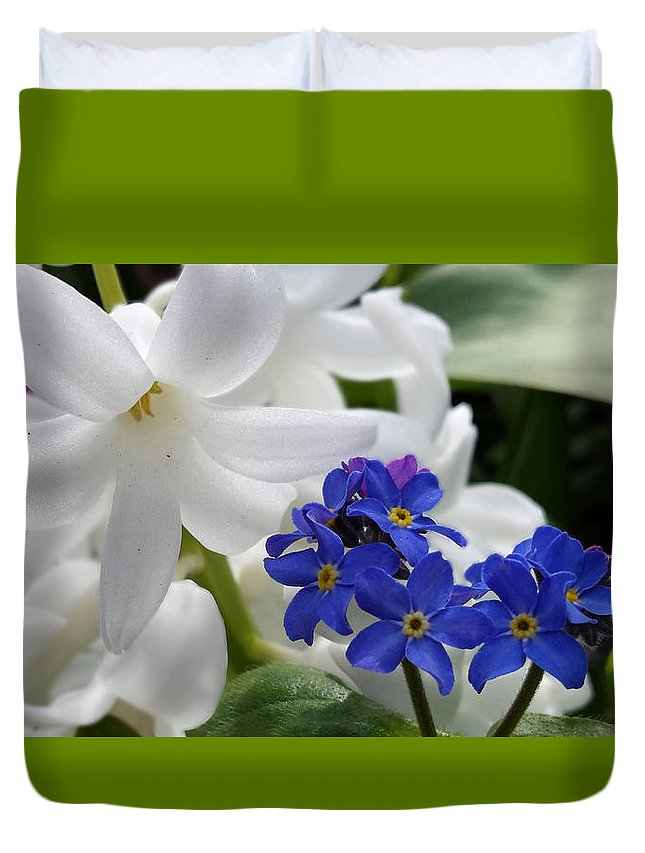 Lily Duvet Cover featuring the photograph Forget Not by Jess' Shots
