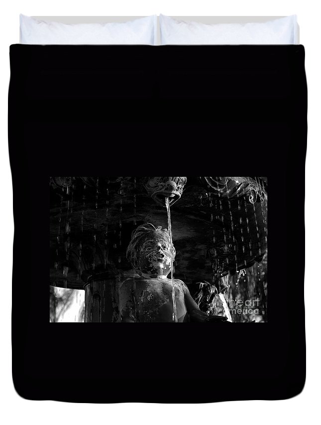 Water Fountain Duvet Cover featuring the photograph Fountain Child by David Lee Thompson