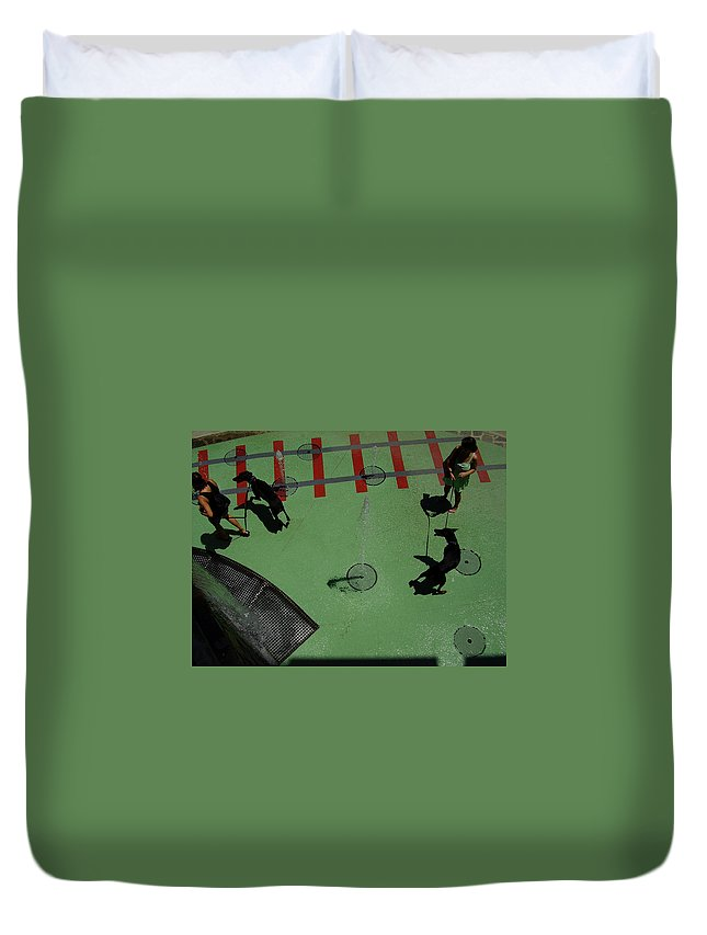 Fountain Duvet Cover featuring the photograph Fountain by Flavia Westerwelle