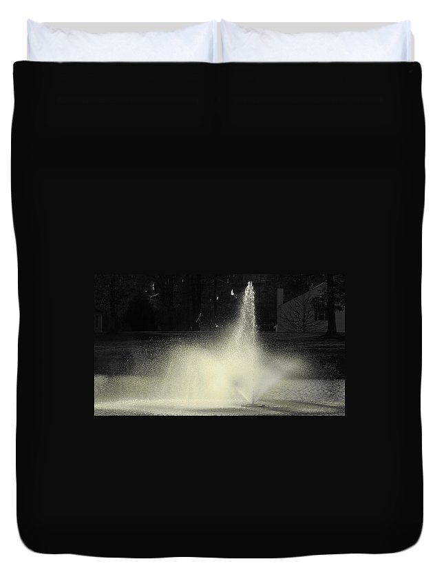 Water Duvet Cover featuring the photograph Fountain by Sarah Houser