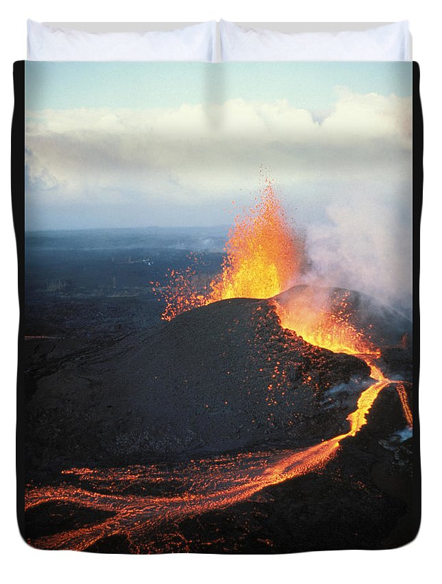 Active Duvet Cover featuring the photograph Fountaining Action by Ali ONeal - Printscapes