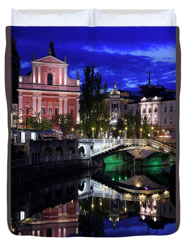 Reflections Duvet Cover featuring the photograph Franciscan Church Of The Annunciation, Gallerija Emporium, Centr by Reimar Gaertner