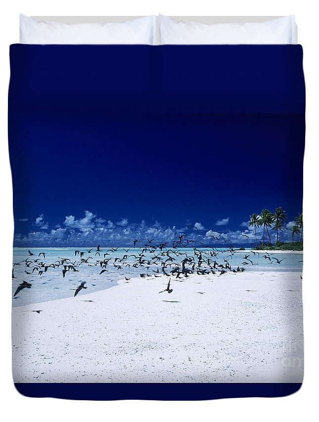 Ashore Duvet Cover featuring the photograph French Polynesia, Tetiaro by Larry Dale Gordon - Printscapes