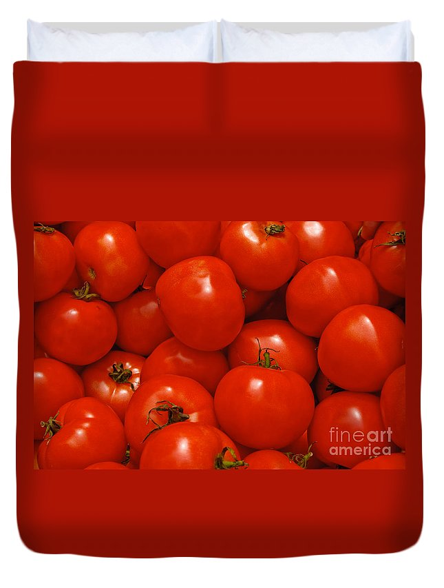 Tomato Duvet Cover featuring the photograph Fresh Red Tomatoes by Thomas Marchessault