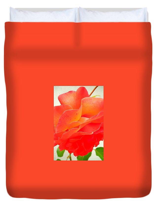 Flower Duvet Cover featuring the photograph Friendship by Juergen Weiss