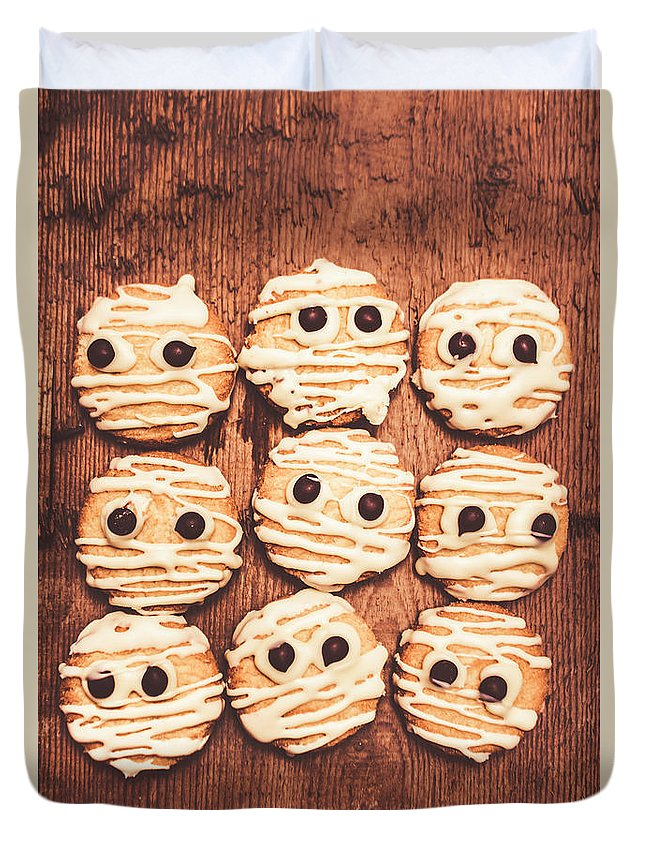 Halloween Duvet Cover featuring the photograph Frightened Mummy Baked Biscuits by Jorgo Photography - Wall Art Gallery