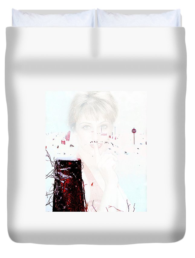 Clay Duvet Cover featuring the photograph Frigid by Clayton Bruster