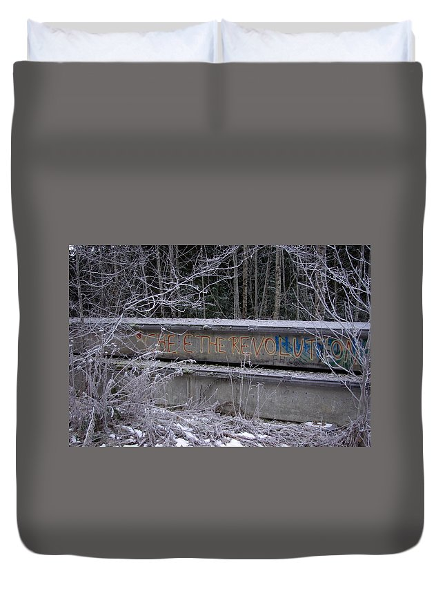 Che Duvet Cover featuring the photograph Frozen Revolution by Cindy Johnston