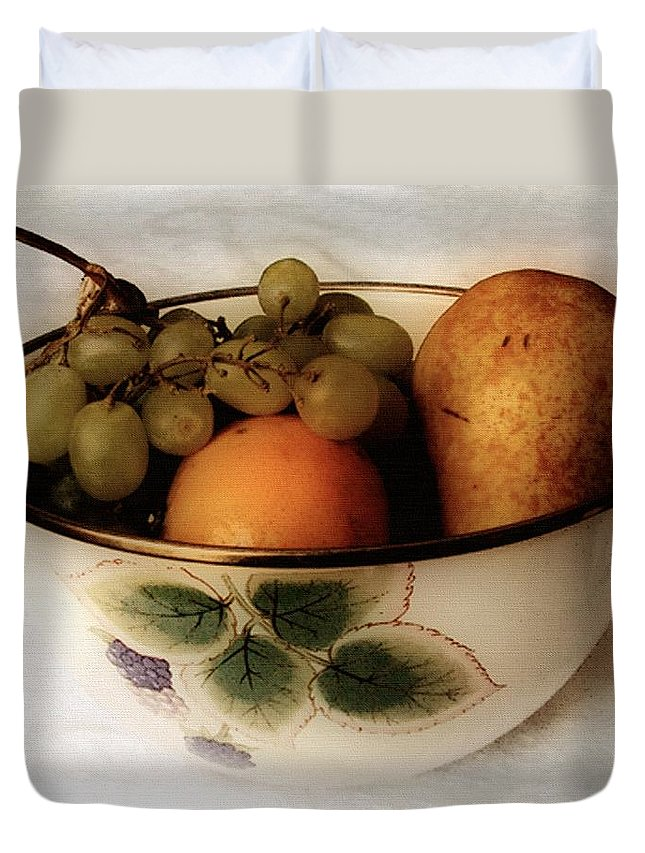 Bowl Duvet Cover featuring the painting Fruitbowl Retro by RC DeWinter