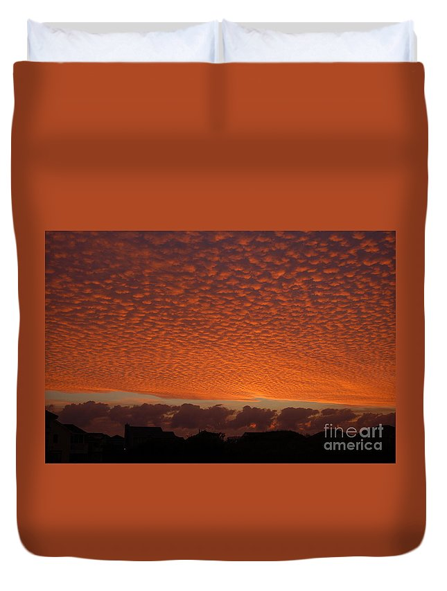 Sunrise Duvet Cover featuring the photograph Funky Sky by Don Wilhour