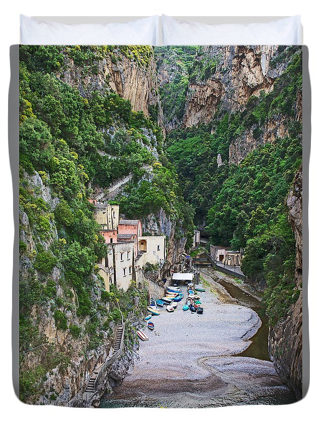 Furore Duvet Cover featuring the photograph Furore Italy by Daryl L Hunter