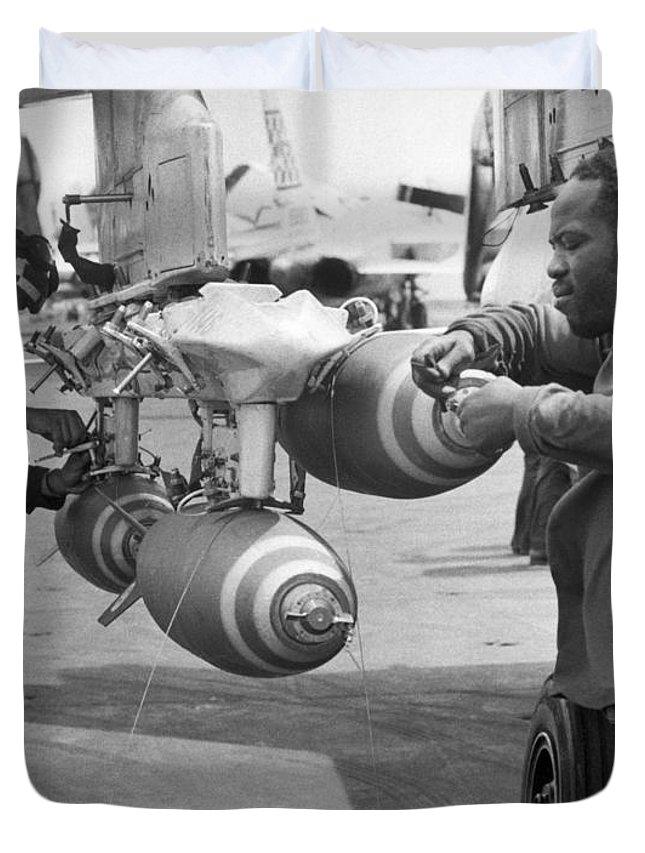 fusing-bombs-for-north-vietnam-underwood