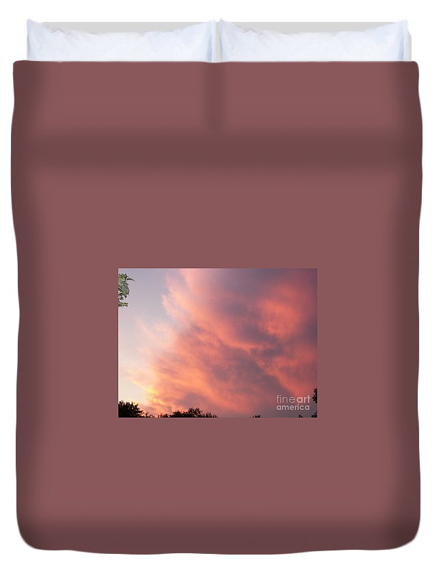 Nature Duvet Cover featuring the photograph Futile Faces by Stephen King