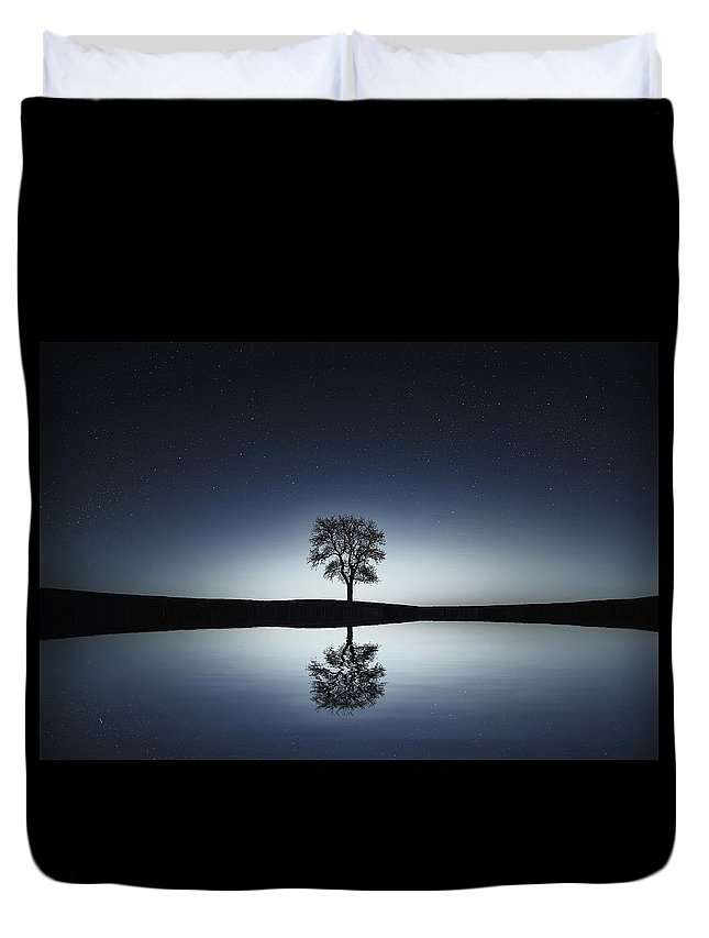 Tree Duvet Cover featuring the photograph Solitude by Gallery Of Modern Art