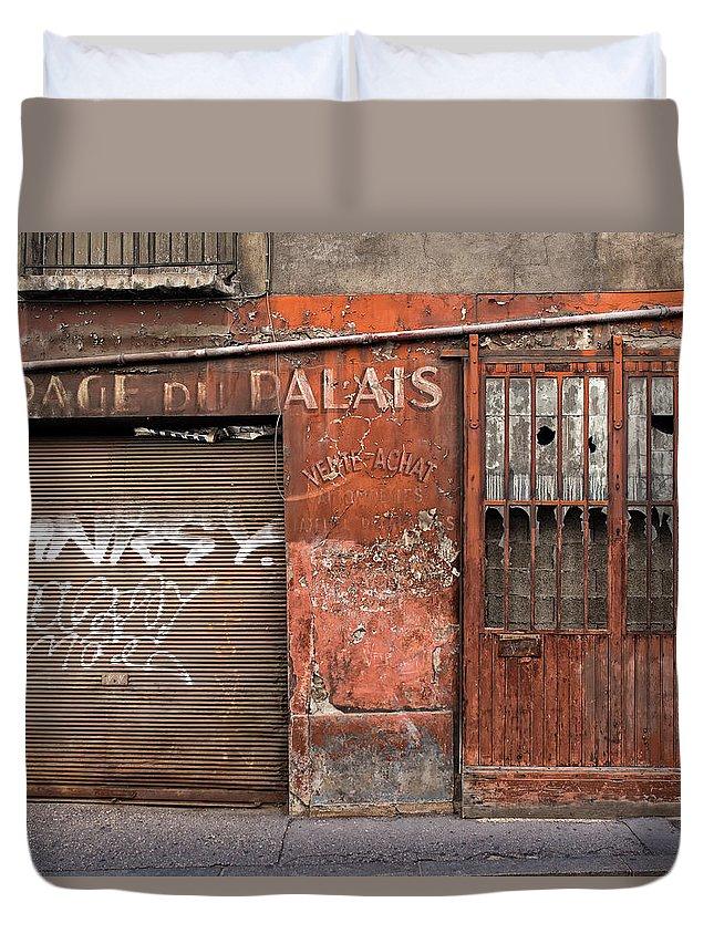 France Duvet Cover featuring the photograph Garage Du Palais by Gary Karlsen