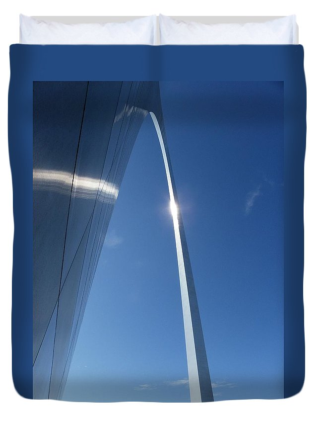 St. Louis Duvet Cover featuring the photograph Gateway Arch by Peggy King