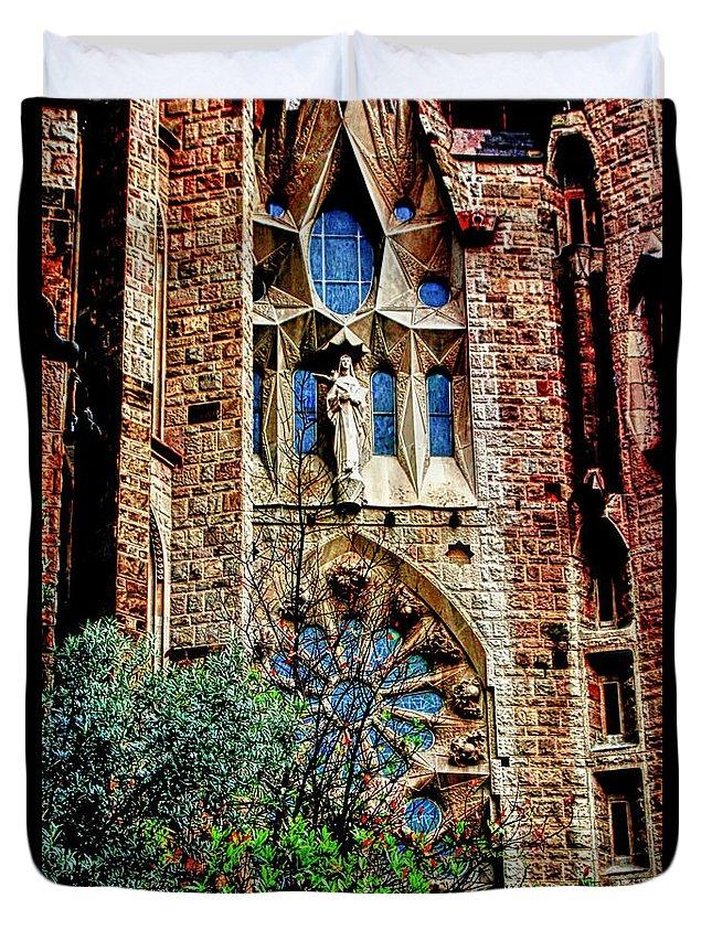 La Sagrada Famila Duvet Cover featuring the photograph Gaudi Barcelona by Tom Prendergast