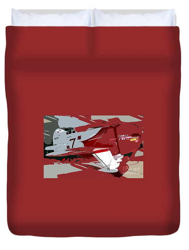 Gee Bee Racer Duvet Cover featuring the painting Gee Bee Racer by David Lee Thompson