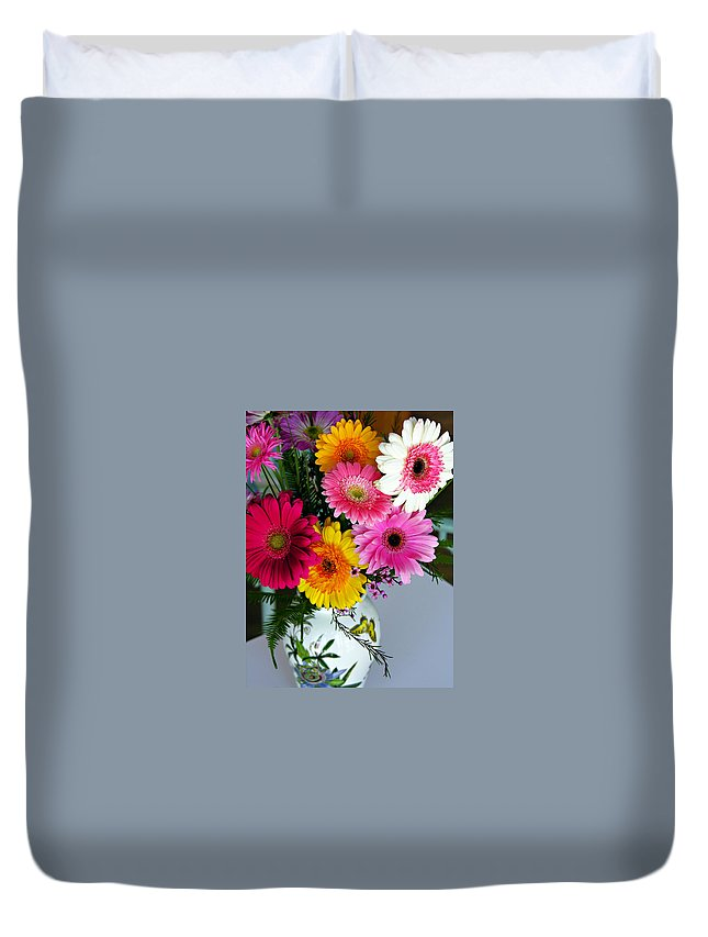Flower Duvet Cover featuring the photograph Gerbera Daisy Bouquet by Marilyn Hunt
