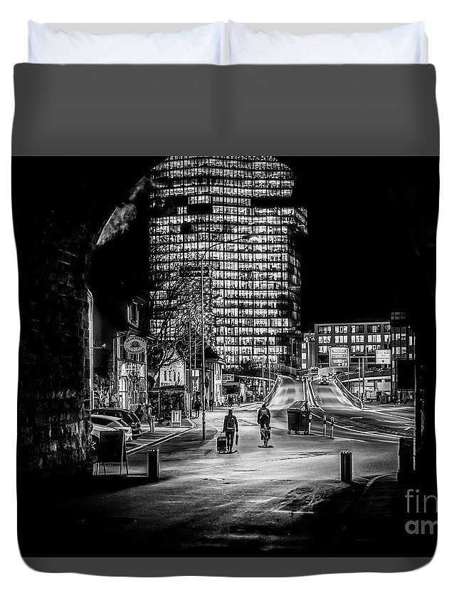 City Duvet Cover featuring the digital art Gerold Passenger by Mirza Cosic